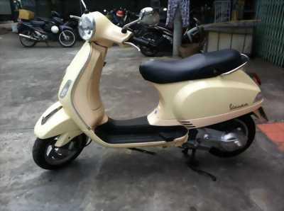 Mình cần bán xe Piaggio Vespa LX 150cc, 2011, khóa từ, biển số TPHCM