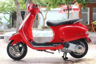 Piaggio Vespa LX 125cc màu đỏ chính chủ 2012