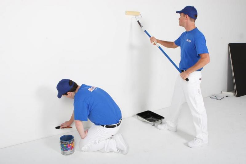 Tuyển thợ trà nhám phục vụ cho thợ sơn chính.