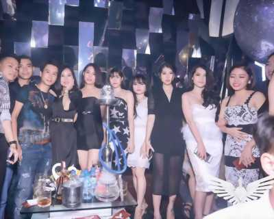 Tuyển 20 nữ phục vụ karaoke _cafe làm thời vụ lương cao