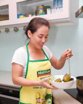 Cần tuyển nữ phụ bếp và nam phục vụ quán ăn chay