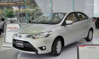Cần bán gấp  xe Toyota Vios 1.5E 2017 màu xám bạc với giá cực hot, giá rẻ.