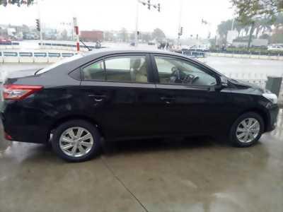 Bán giao ngay xe Toyota 2017, màu đen, giá cạnh tranh