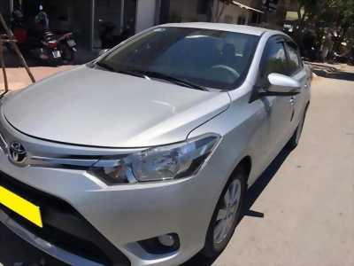 Cần bán xe Toyota Vios 2018 số tự động màu bạc biển thành phố