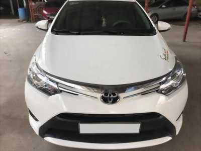 Kẹt tiền bán xe Vios 2017 màu Trắng tự động, xe đăng kí lăn bánh 2018
