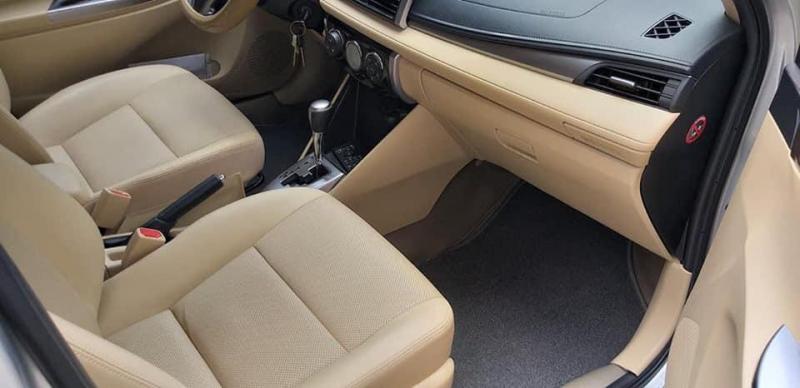 Cần bán Toyota Vios 2017 số tự động,màu Bạc.