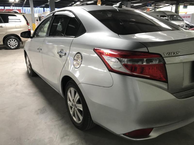 Bán lại xe Toyota Vios số sàn đời 2016 màu Bạc, TPHCM