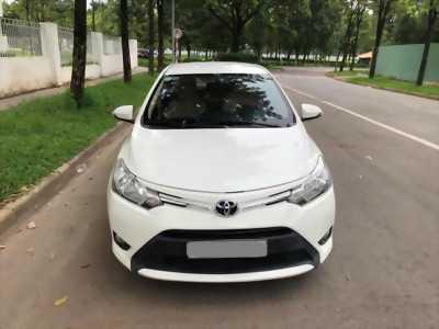 Cần bán gấp Toyota Vios 2016 , số sàn màu trắng ngọc trinh bao zin