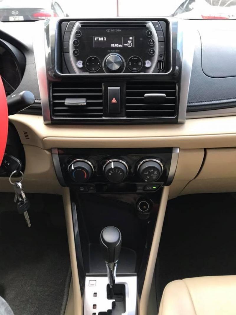 Cần bán gấp Toyota Vios 2017 bản E màu trắng