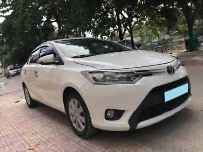 Cần tiền bán xe Vios E 2018, số tự động, màu trắng tinh ngọc trinh.