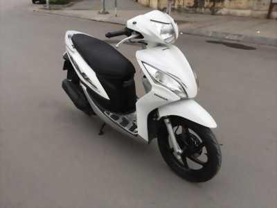 Vision 110 Fi màu trắng cuối 2011bstp xe zin