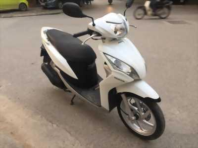 Honda Vision 110fi trắng 2014mới 99% c chủ 29x-5so