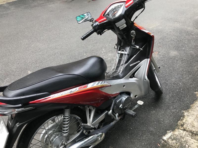 Đổi xe cho mẹ nên bán Honda Wave đỏ 2014 xe bstp chính chủ