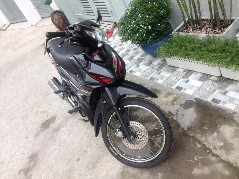 Cần bán xe Honda Wave RSX 110cc 2013 màu đen biển Sài gòn chính chủ