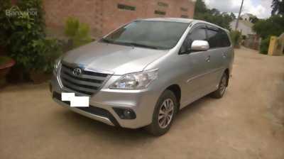 Cần nhượng lại Toyota Innova E sản xuất 2015, odo ~ 50000