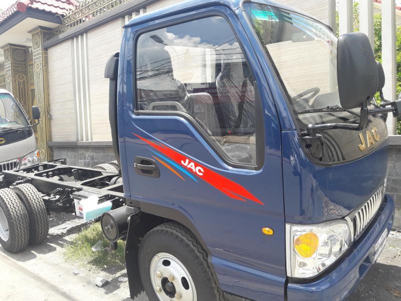 Xe tải jac 2,4tấn thùng  dài 3,7m