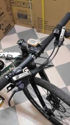 Xe đạp Bianchi Group 10 Shimano, phuộc cacbon