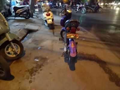 Bán xe đạp điện Ninja màu tím sử dụng tốt.