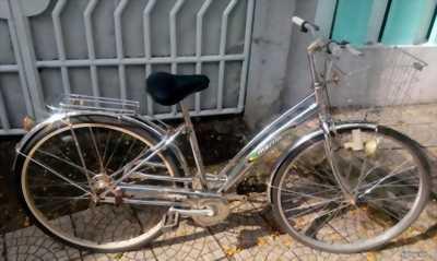 Cần bán chiếc xe đạp Martin sườn inox dư xài