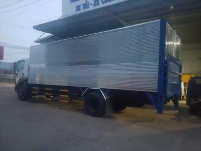 Xe tải Isuzu 8 tấn thùng kín bửng nâng
