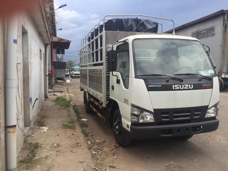 Xe tải isuzu 2 tấn 3 thùng mui bạt dài 4 mét 3, giá ưu đãi gần tết