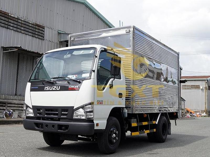 Bán xe tải isuzu 1t9 đời 2018 có xe giao ngay trước tết