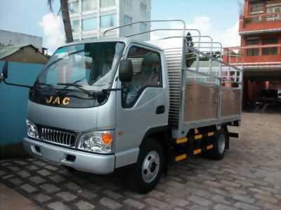Xe tải JAC tải trọng 2,4 tấn máy nhật bản.