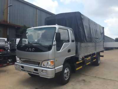 Xe tải jac 3,5 tấn thùng bạt.