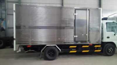 Xe ISUZU 2.2T thùng kín giao ngay trong ngày