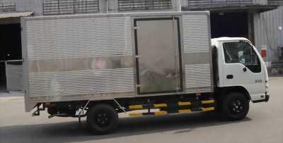 Bán xe tải suzu 2tan4 thùng kín đời 2018 xe vao thành phố