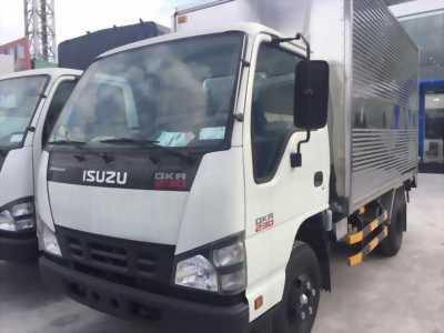xe tải isuzu qkr77fe4 thùng kín nhà máy có sẵn giao ngay- khuyến mãi giá cực sốc