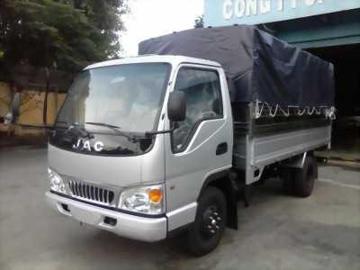 xe tải JAC thùng bạt, tải trọng 2.4 tấn