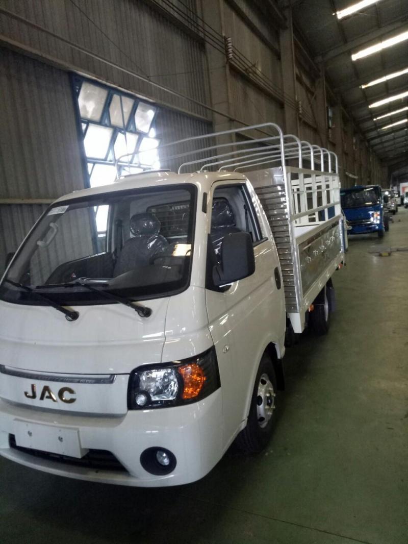 Cần bán xe tải JAC 1t5 thùng dài 3m2 2019 giá gốc
