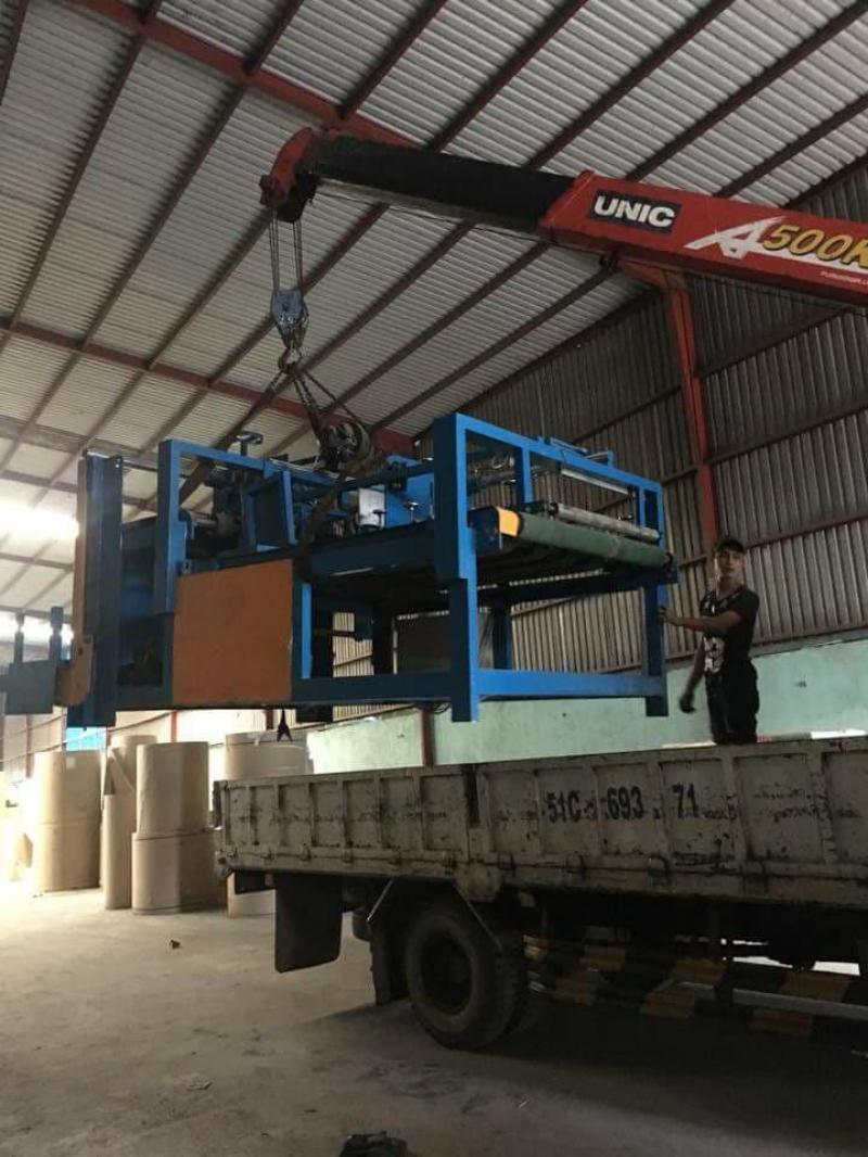 Xe tải cẩu vận chuyển Máy Móc Thiết Bị Công Nghiệp