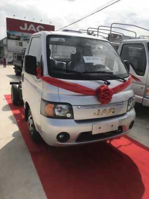 Bán xe tải jac 990kg máy dầu,  trả trước 35 triệu nhận xe