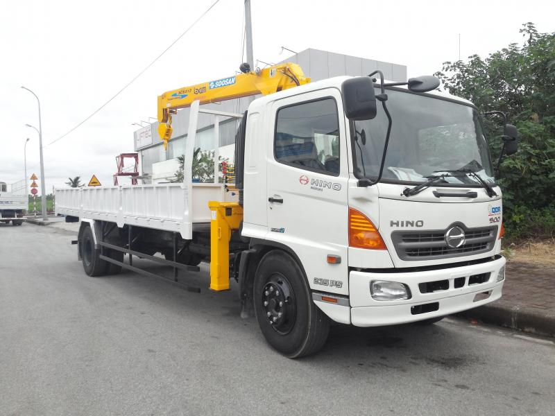 Bán xe tải hino fc 4,8 tấn có cần cẩu giá rẻ giao ngay