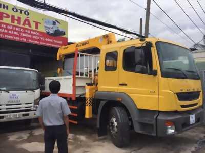 Xe tải fuso  FJ tải 12 tấn gắn cần cẩu 5 tấn giao ngay