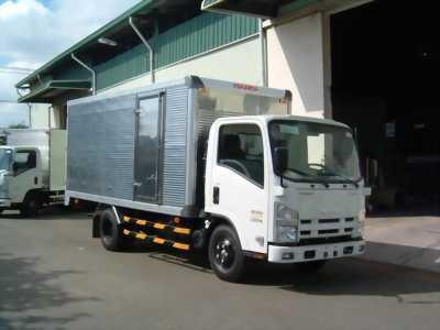 Xe tải ISUZU 1 tấn 9, chạy trong thành phố