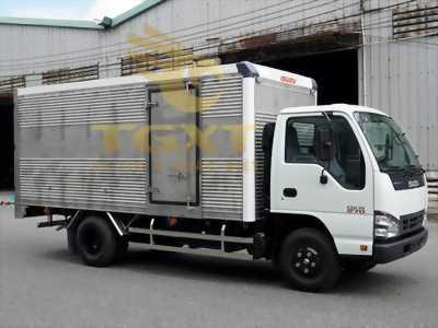 Xe tai isuzu 1t9 thùng kín, xe có sẵn giao ngay.
