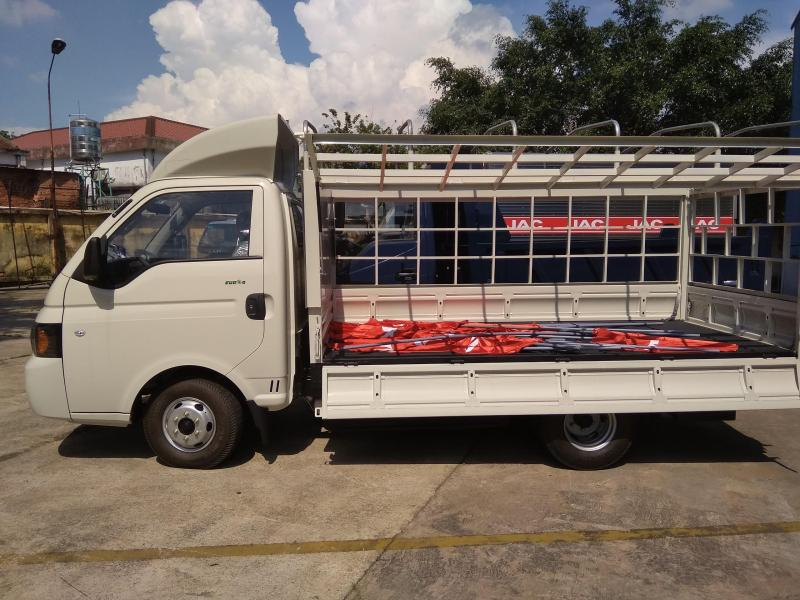 Xe tải jac 990kg mới đời 2018, máy động cơ Isuzu