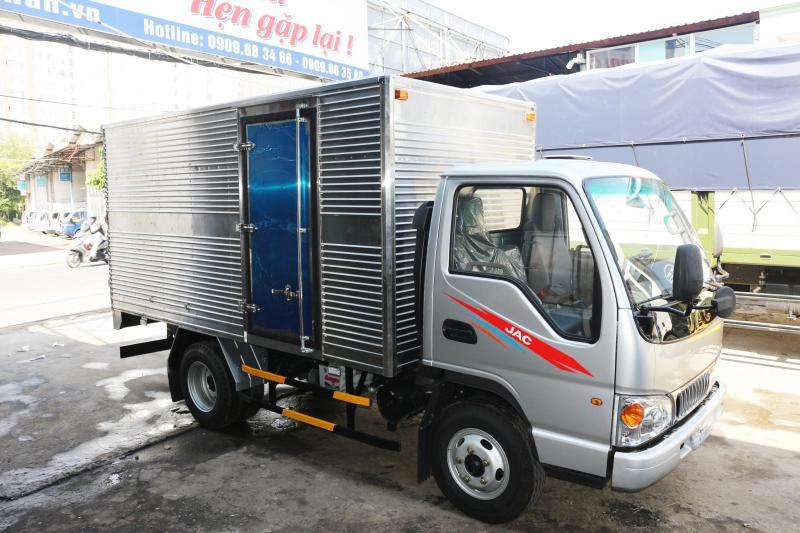 Xe tải jac 2t4 vào thành phố, thùng dài 3m7 giá tốt