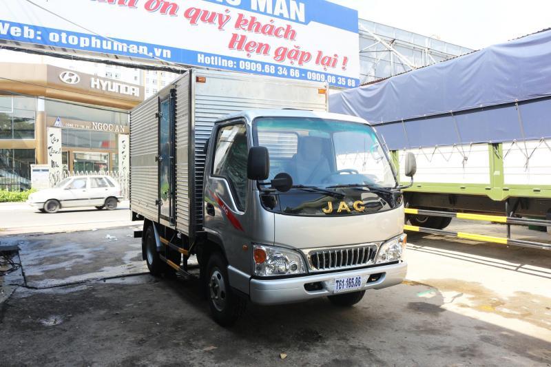 Bán xe tải jac 2.4t máy động cơ isuzu