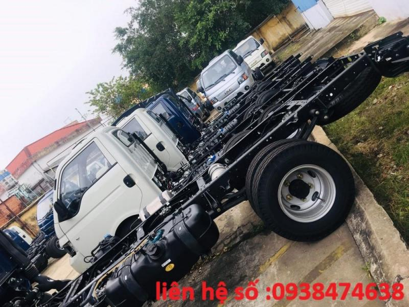 xe tải JAC 1t25 thùng lửng máy dầu