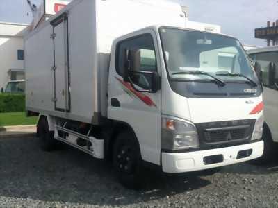 Xe tải Mitsubishi thùng kín Composite 1 Tấn 9 đời 2016