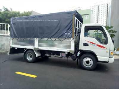 Xe tải JAC 2T4, máy ISUZU, thùng dài 4m3.