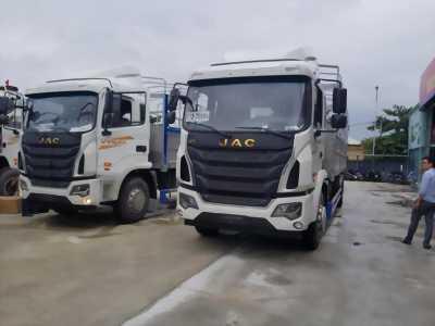 Xe tải JAC 4 chân nhập khẩu nguyên chiếc tải trọng 17950 Kg