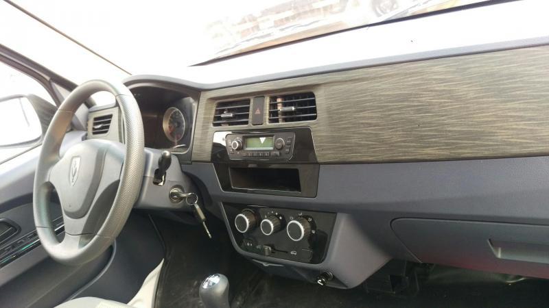 xe bán tải van dongben x30 5 chỗ, chạy vào thành phố giờ cấm 24/24