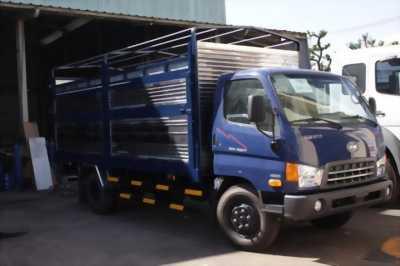 Hyundai 8 tấn chở gạch