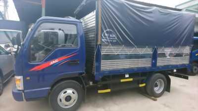 Xe tải JAC 2,4T thùng mui bạt, công nghệ ISUZU