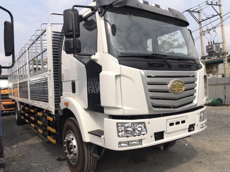 Công ty bán xe tải thùng dài gần 10m. Xe tải Faw thùng dài 9m7 tải trọng chỏ hàng 7t25